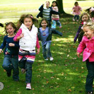 00 300x300 - بازی چیست و تاثیر بازی بر رشد روانی کودکان چیست؟